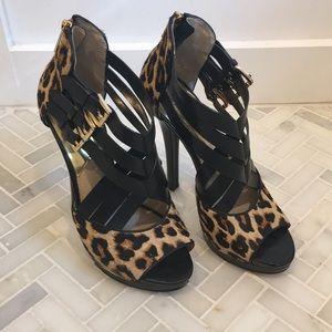 •Michael Kors Cheetah Pumps•